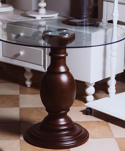 Стол стекляный